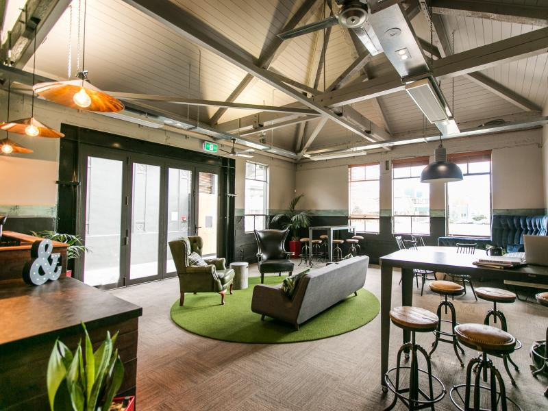 6 things to consider before renting a co-working space